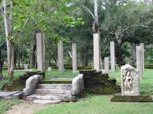 Anuradhapura2-300x225