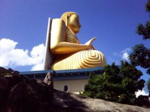 Dambulla_Caves_Boeddha_statue_5_k-300x225