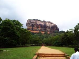 Sigiriya_Rock_1-300x225